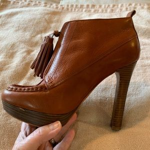 Coach booties size 37.5(7). Great Style.